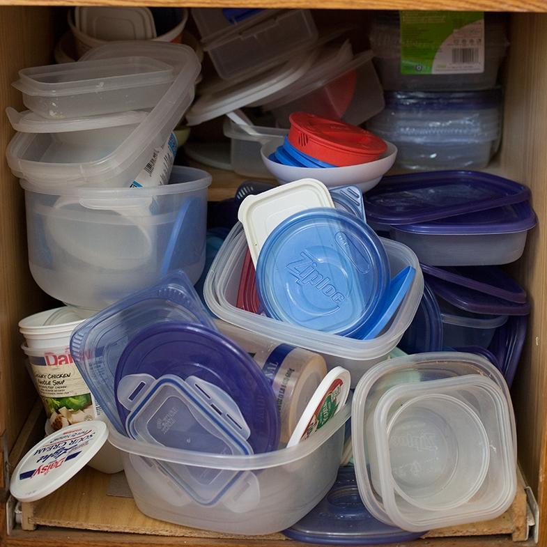 how-to-organize-tupperware.jpg