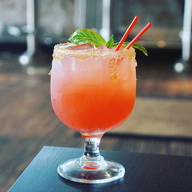 Like if you need a margarita right now. @miamidrinkscene . #Margarita #StrawberryMargarita #Yummy #Cocktails #Tequila #HappyHour #Drinks #Shots #Sip #Yummy #Refreshing #Saturday #SaturdayVibes #WeekendVibes #UM #MiamiLife #GrubHub #OrderOnline #Catering #Healthy #InstaDrink #GetNaked #Mojito #Wine #Beer #NakedLunch