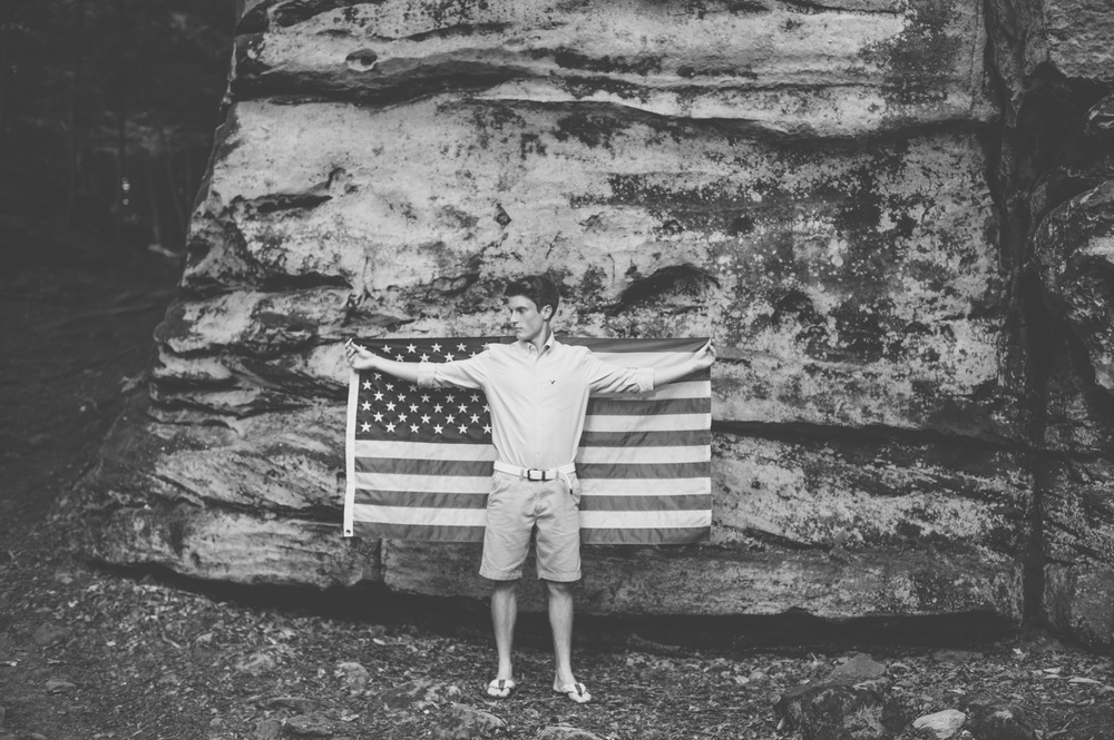 senior session with flag
