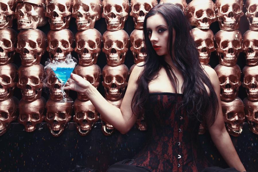 kerri_taylor_halloween_corset_by_modelkerritaylor-d942fq8.jpg