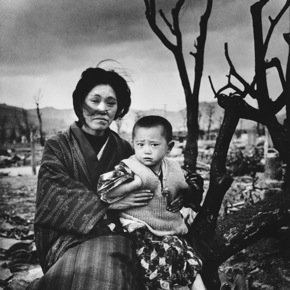 110328_hiroshima-woman-and-child_g290_crop.jpg