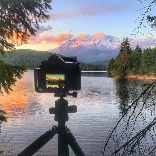 It's been almost 10 weeks since I've been behind this thing during a sunset.....now let's hope I can make it back to camp without running into Mr. or Mrs. Black Bear  #nobearspray #mtshasta #visitcalifornia #sammysbirthday  #sunset #sunsetphotography #landscapephotography #longexposure #lymedisease #lymelife #awesomeearth #notime #dadlife