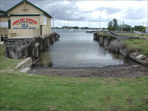 The original Lacco shed was grafted onto the new Peter Locke boatshed, later Cayzer Brothers. The structure is still standing today, looking across to the Queenscliff Cruising Yacht Club.