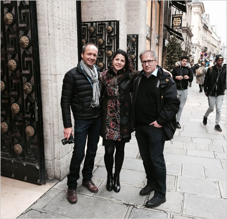 Triade n ° 1.  From left, Alan Hart, Raquel Alonso-Perez and Patrick Dreher window-shop with Bill on the Place Vendôme. (Photo: Bill Larson)