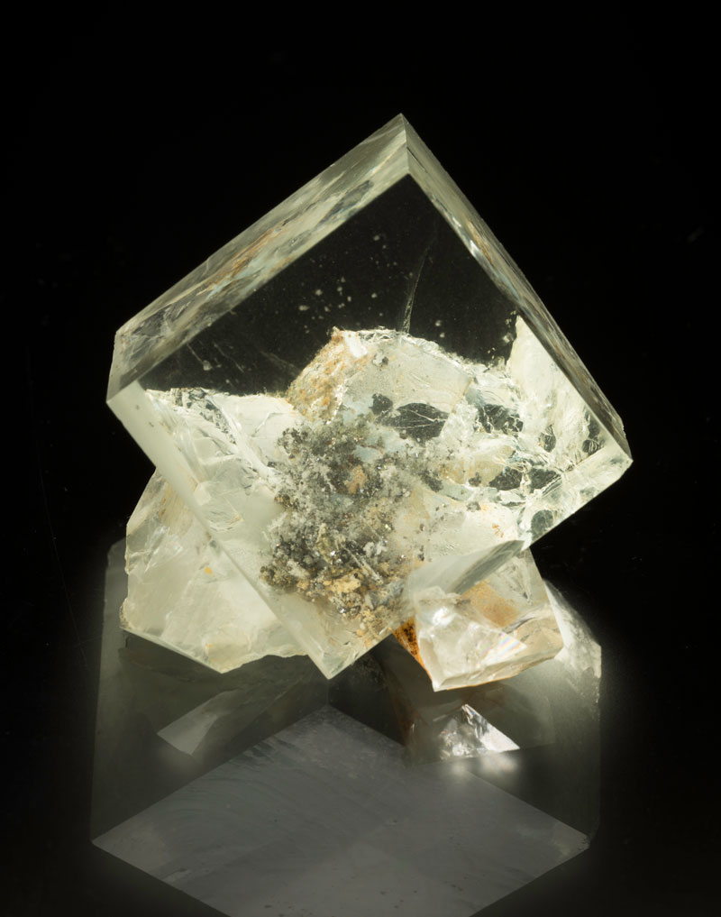 Rus in urbe.Fluorite with galena inclusions from the Nikolai mine, Dal'negorsk, Primorkiy, Kray, Far-East region, Siberia, Russia, 5 x 4.5 x 3.5 cm. Price available upon request. (Photo: Mia Dixon)