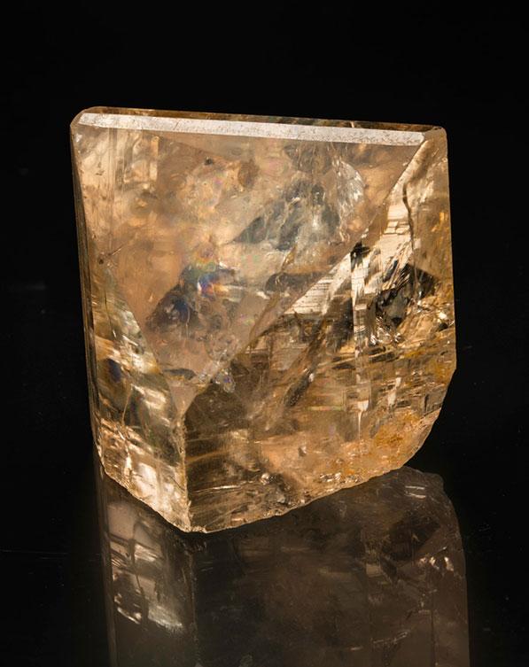 All that glitters is not gold.Topaz from Sakangyi, Mogok, Burma,8 x 7 x 5.5 cm. (Photo: Mia Dixon)