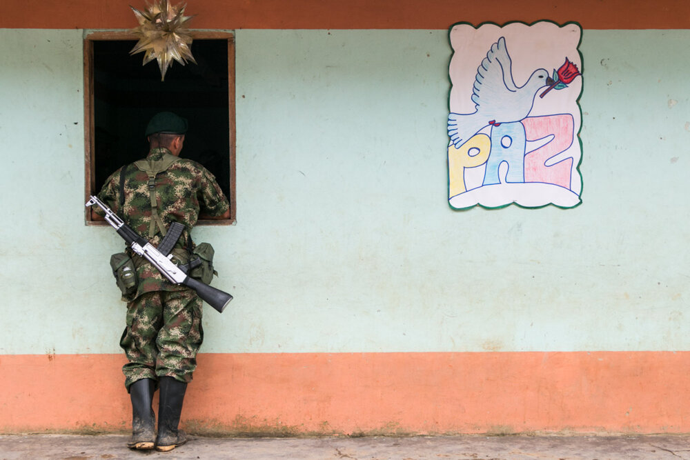 (Demobilized Guerrilla hides his identity, Risaralda)    Read more details of the project here