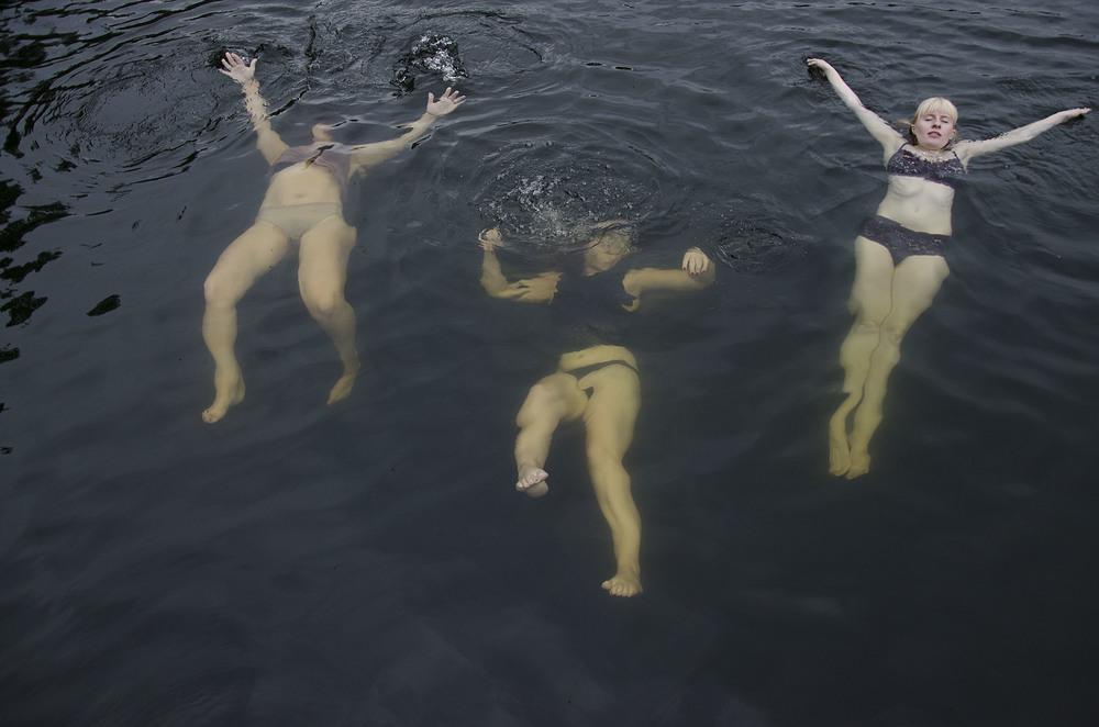drowning1_print.jpg