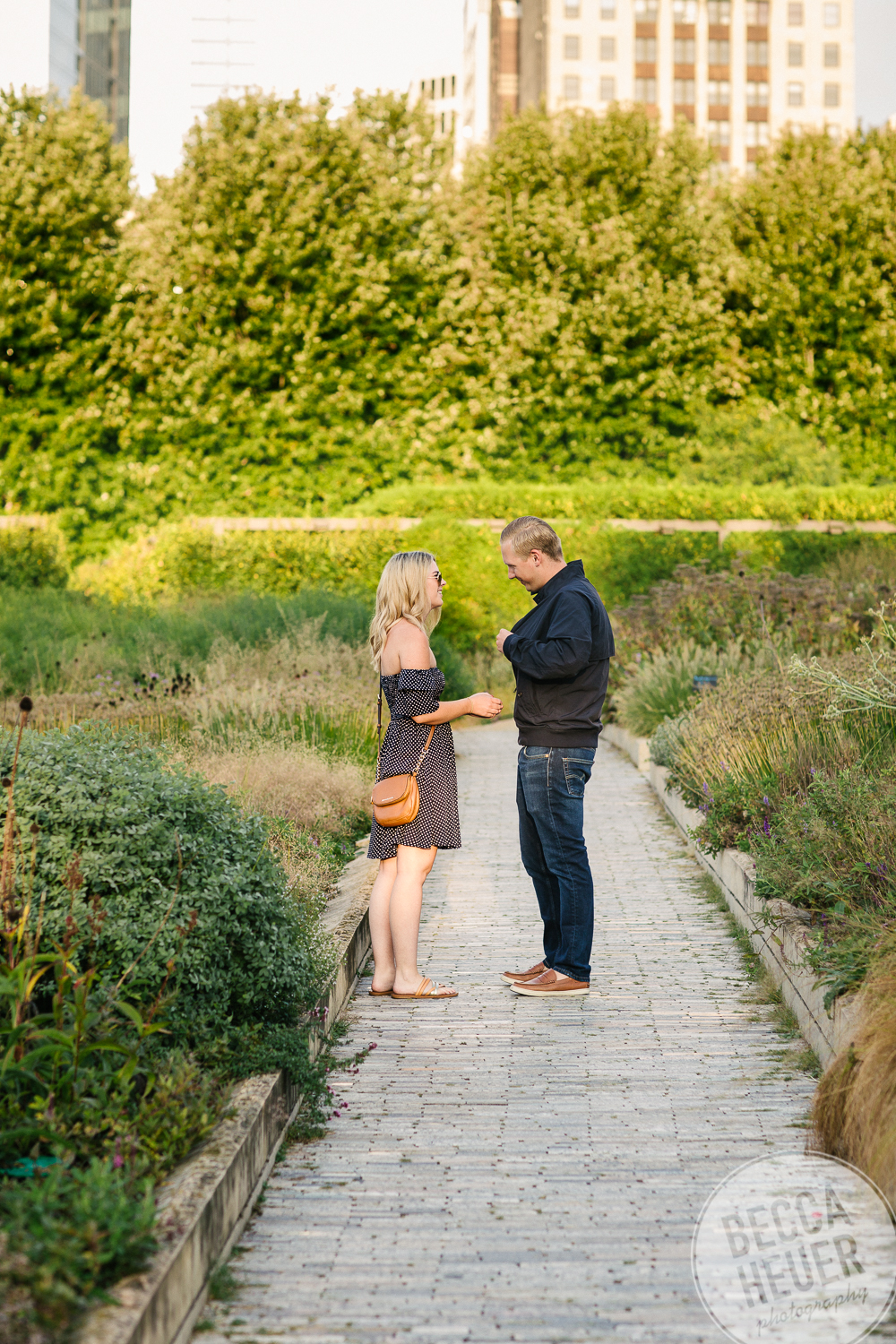 North Avenue Beach Engagement_BLOG-001.jpg