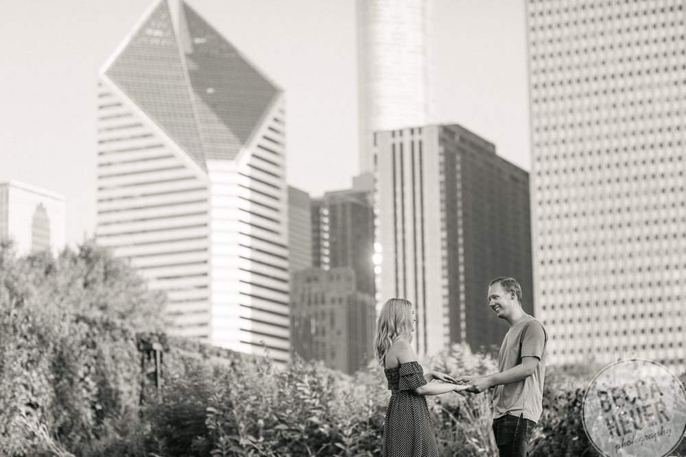 North Avenue Beach Engagement_BLOG-029.jpg