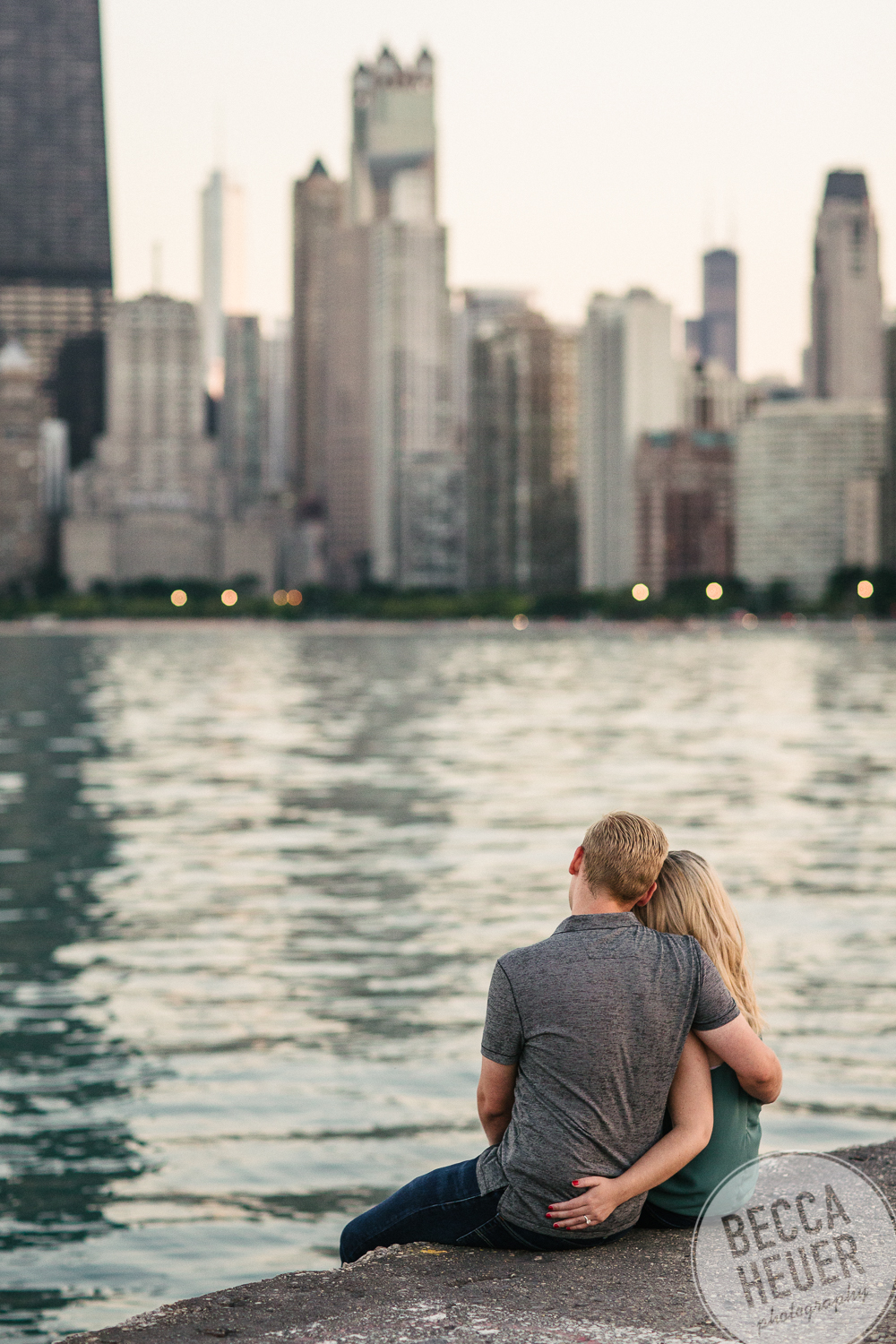North Avenue Beach Engagement_BLOG-089.jpg