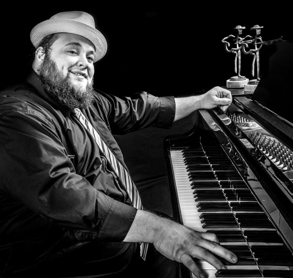 Rick Jones Pianos http://www.rickjonespianos.com/    http://www.donnacriswell.com/