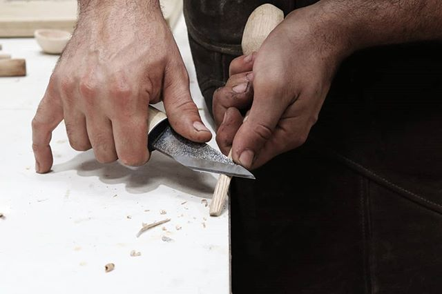 New year, new things 🌠  We're excited to launch our series of beginner's woodworking workshops for 2019. Kicking off with spoon carving, you'll be fed and watered while we teach you the meditative experience that is whittling. All tools & materials are provided & you'll get to leave with your very own custom creation (+ some pretty impressive skills to boot). Link to tickets are in our bio, with 3 x dates available across Jan, Feb & Mar.