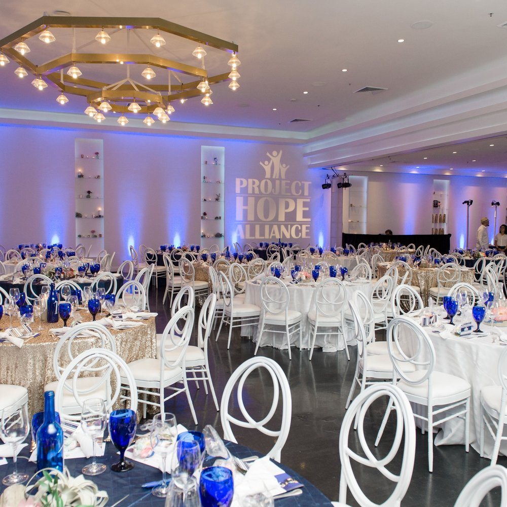 PROJECT HOPE ALLIANCE RAISES NEARLY $600,000 AT 4TH ANNUAL ANTI GALA (MAY 2017)