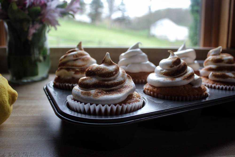 Lemon Mayonnaise Cupcakes with Toasted Meringue