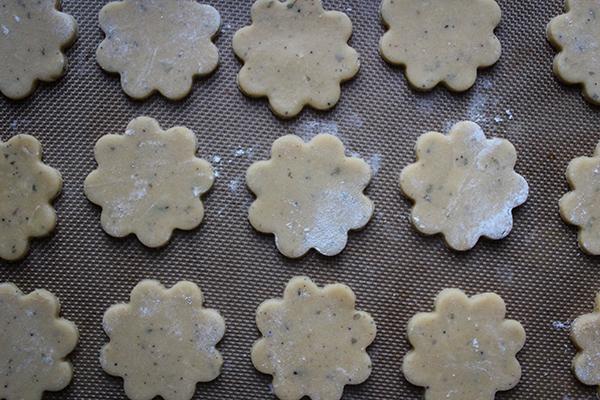 Lemon Balm and Black Tea Cookies