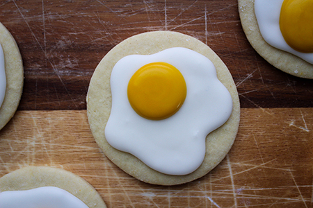Iced Egg Cookies