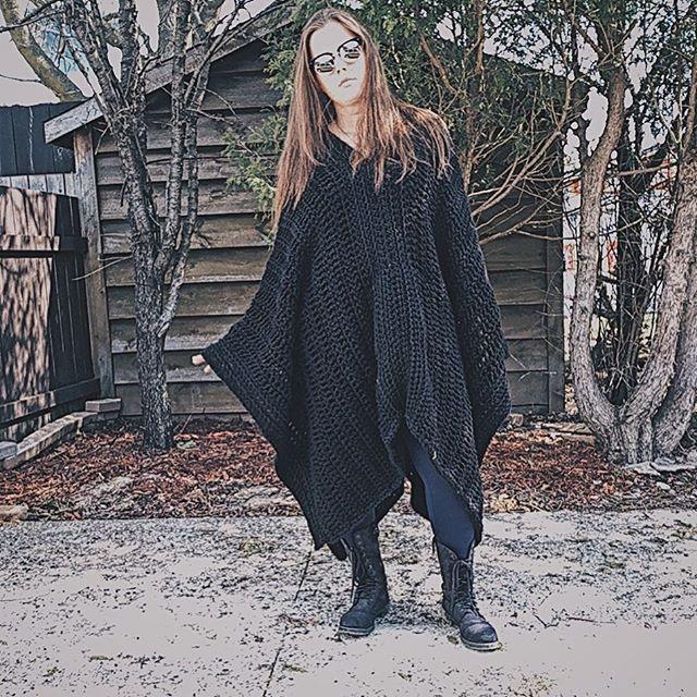 #fashion #oversized #warm #canadian #fallclothes #bonfireready #summernights #poncho #crochetponcho #handmadeponcho #blackonblack #crochet #crochetofinstagram #crochetoutfit #crochetoutterwear #outside #handmade #handmadeisbetter #madebyhand #maker #makersgonnamake #madeincanada #oldlady #youngoldlady #secretpocket #loopsandthreadsyarn #potd #brunette #25 #2018