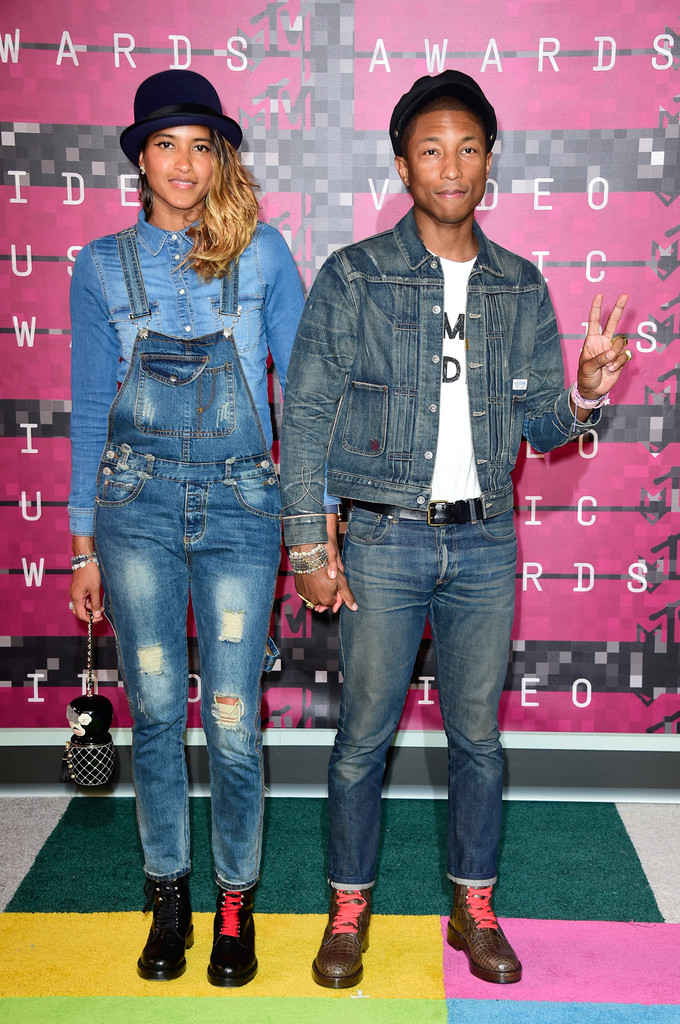 pharrell-williams-vma-red-carpet-2015