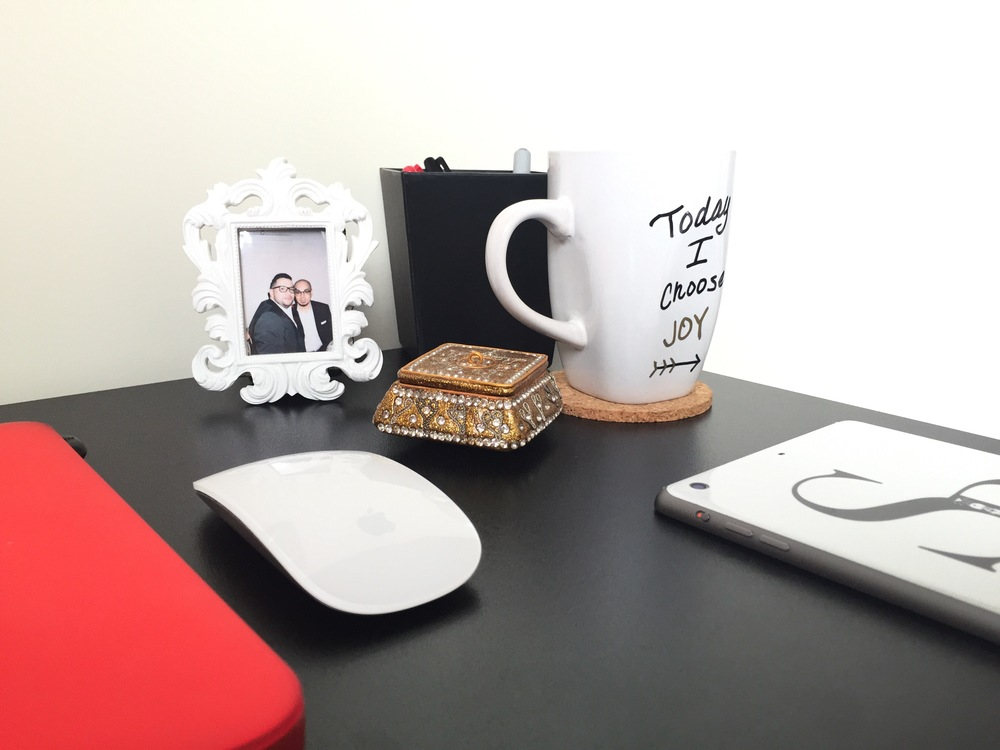 sam-c-perry-guide-to-creating-a-home-office-on-a-budget-details2.jpg