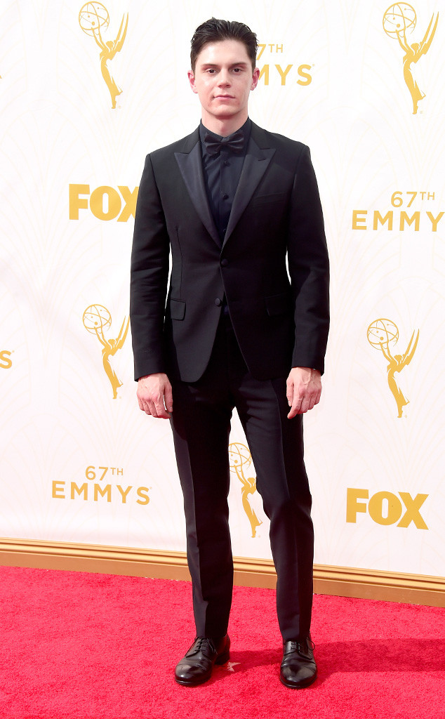 evan-peters-2015-emmy-awards-red-carpet