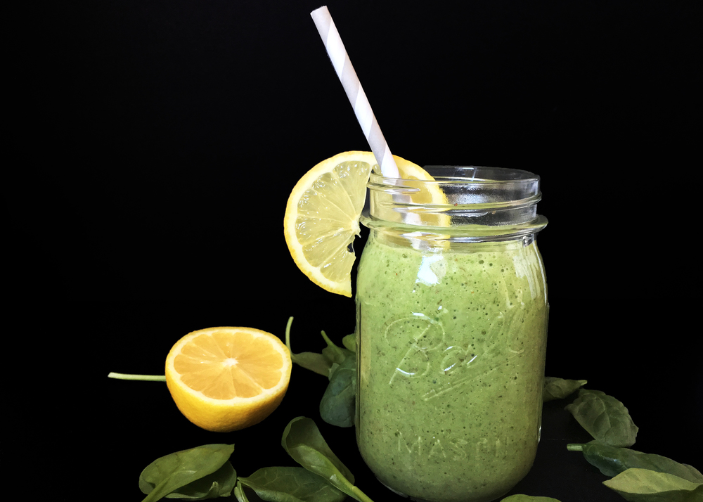 sam-c-perry-green-smoothie-to-fit-belly-fat.jpg