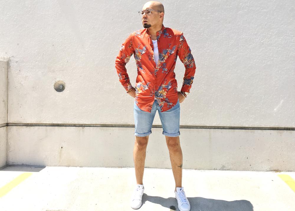 sam-c-perry-printed-Mandarin-collar-woven-denim-shorts.jpg