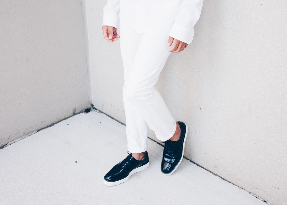 sam-c-perry-all-white-navy-creepers-shoes-zara.jpg