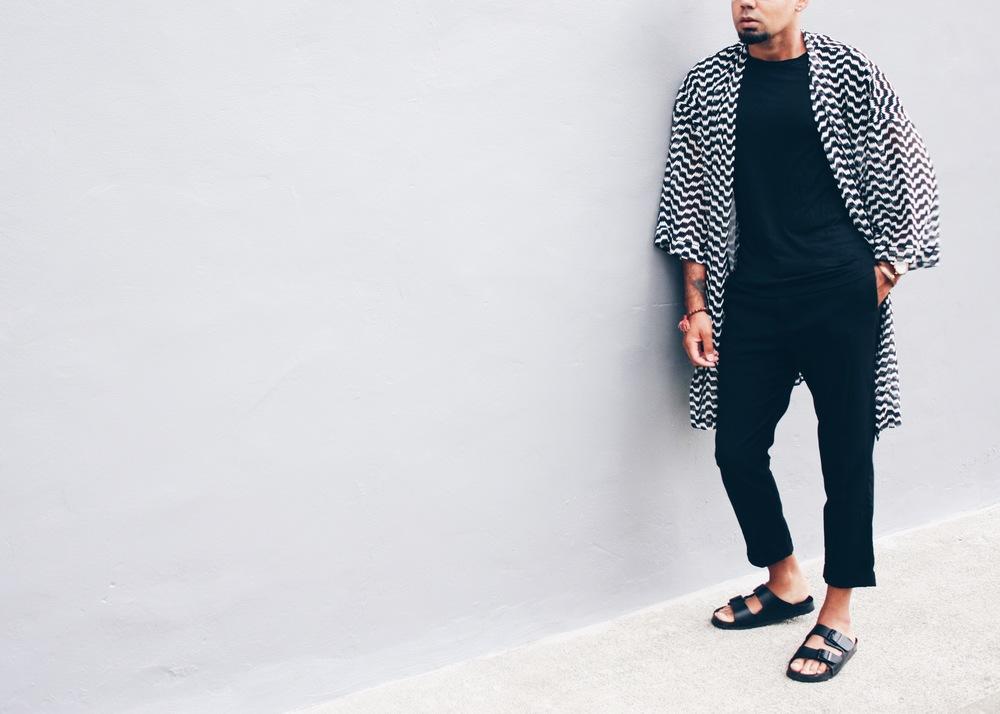 sam-c-perry-black-white-kimono-slide-sandal-asos-sandal-cropped.jpg
