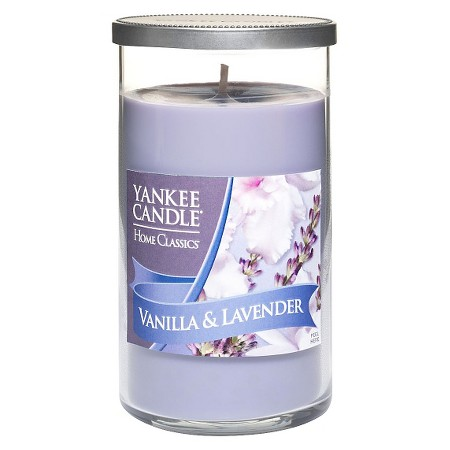 sam-c-perry-holiday-decorating-tips-for-guys-yankee-candle.jpg