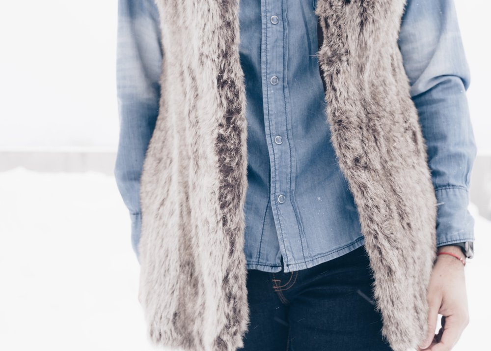 sam-c-perry-fur-vest-denim-on-denim-zoom.jpg