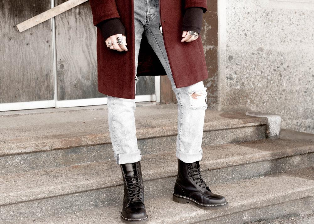 sam-c-perry-vintage-calvin-klein-coat-distressed-denim-details-2.jpg