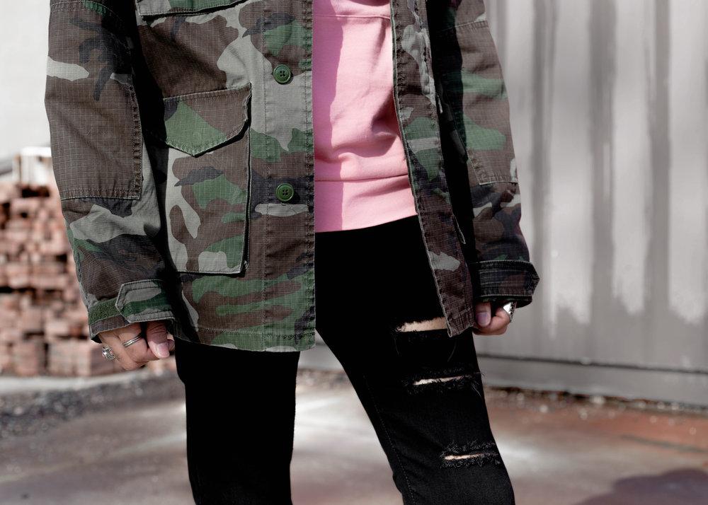 sam-c-perry-camo-jacket-pink-hoodie-details.jpg