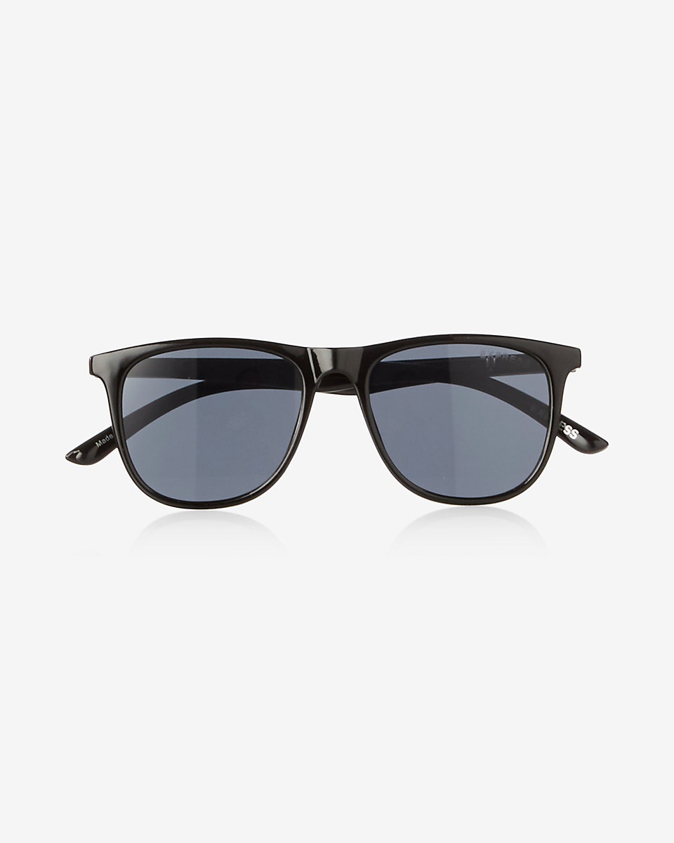 sam-c-perry-leather-jacket-denim-on-distress-denim-express-sunglasses-1.jpg