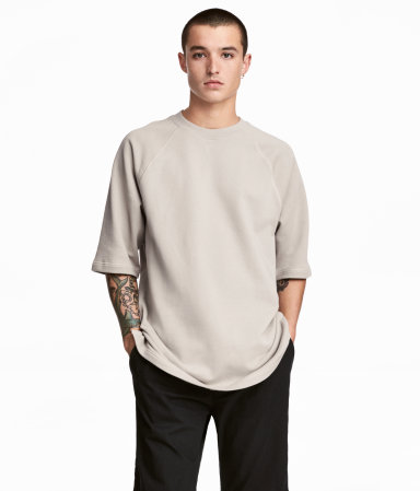 sam-c-perry-spring-summer-2017-menswear-trend-guide-hm-shortsleeve-sweatshirt.jpg
