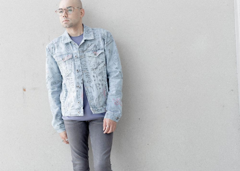 topman-doodle-print-denim-jacket-ss-sweatshirt-cropped.jpg