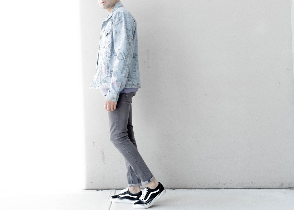 topman-doodle-print-denim-jacket-ss-sweatshirt-cropped-walk.jpg