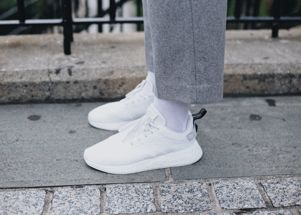 grey-wool-pants-white-shirt-sneakers.jpg