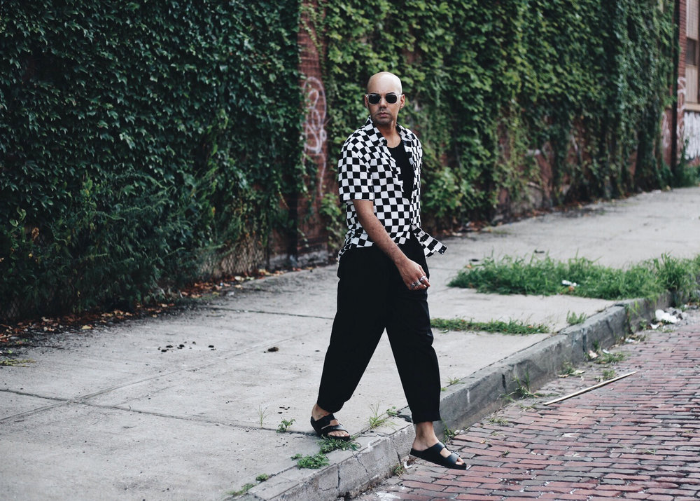 checkered-forever-21-woven-oversized-black-trousers-walk-curb.jpg