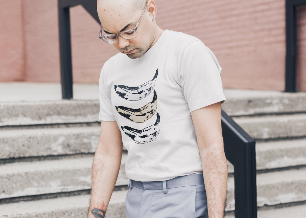 styling-graphic-tees-with-trousers.jpg