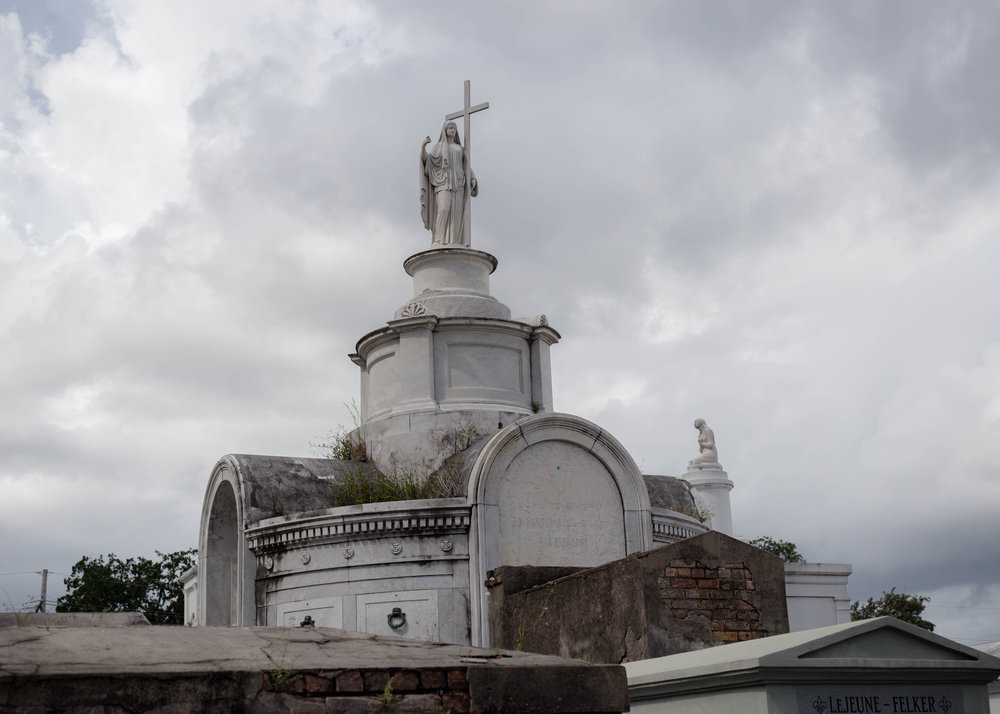 saint-louis-cemetery-new-orleans.jpg