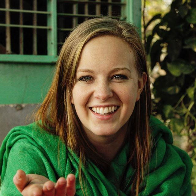 When we met @leahgmart I naively thought 'I bet she has a tough time in India' but it turns out she knew way more about India that I thought possible. She taught us how to navigate Indian street culture, how to not take crap from locals and basically was our guru for learning the ways of #india. So thanks Leah, where ever you are now.  #travel #neverstoplearning #lifeote #canon