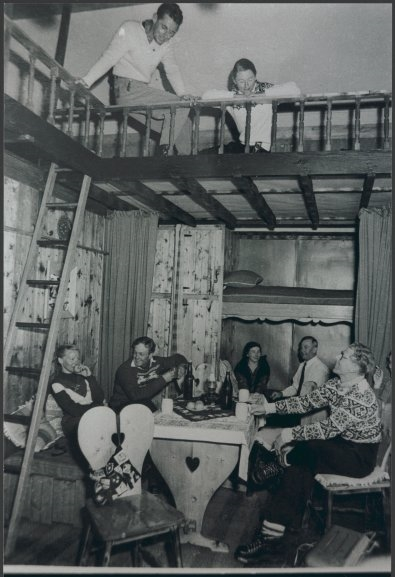 The interior of Kunama Lodge. Photo: Baglin, from National Library of Australia