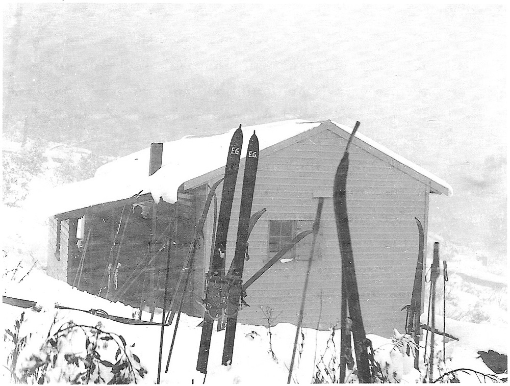 Above: The University Ski Club's cabin at Donna Buang with the 1935 porch.                    Below: A view of the rear showing the chimney.