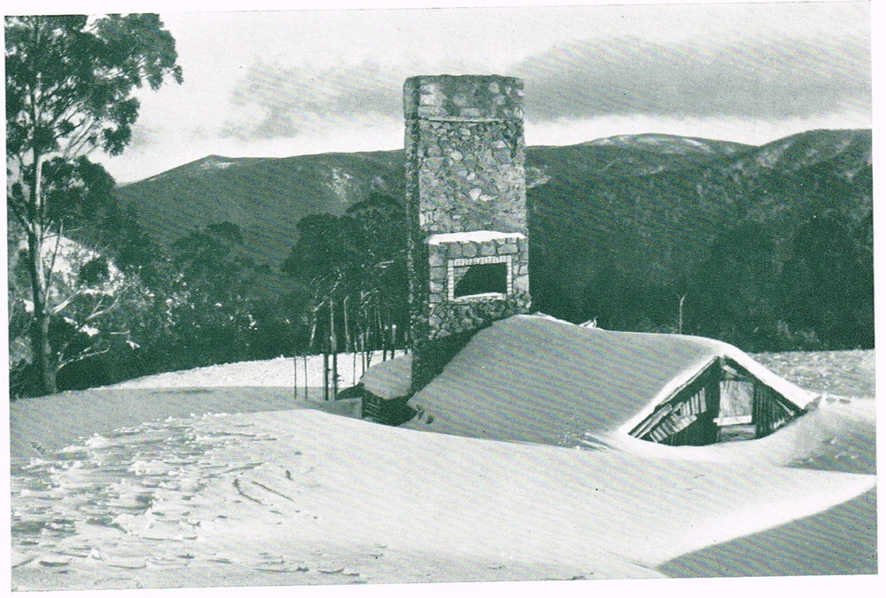 Hut built around the ruined Chalet chimney, by either Alan McCubbin  or  the Junior Ski Club whose members provided much of the capital for the original Chalet. Mid 1940s. Photo N. Cleugh