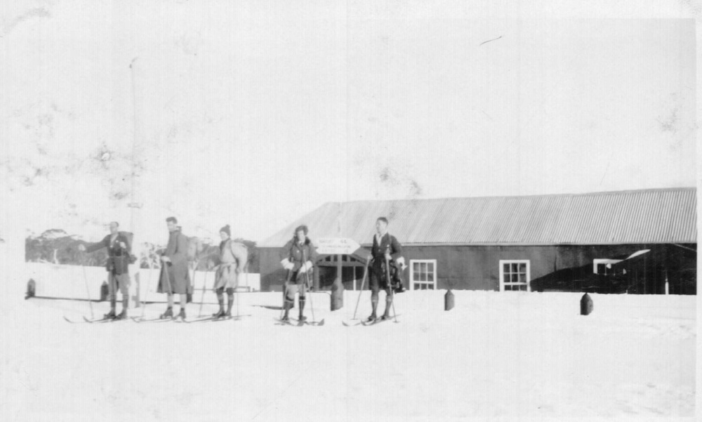 Skiers at Rundells Alpine Lodge at Flour Bag Plain in 1927. Photo Kath Magill.