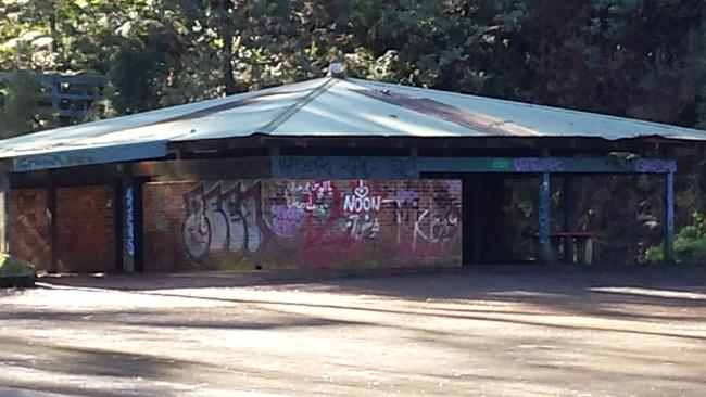 The run down shelter hut at the 10 Mile Turntable in June 2015, 11 months before it was demolished. Photo   Lilydale & Yarra Valley Leader .