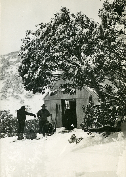 Feathertop Hut, early 1930s. Photo  Eric Douglas .