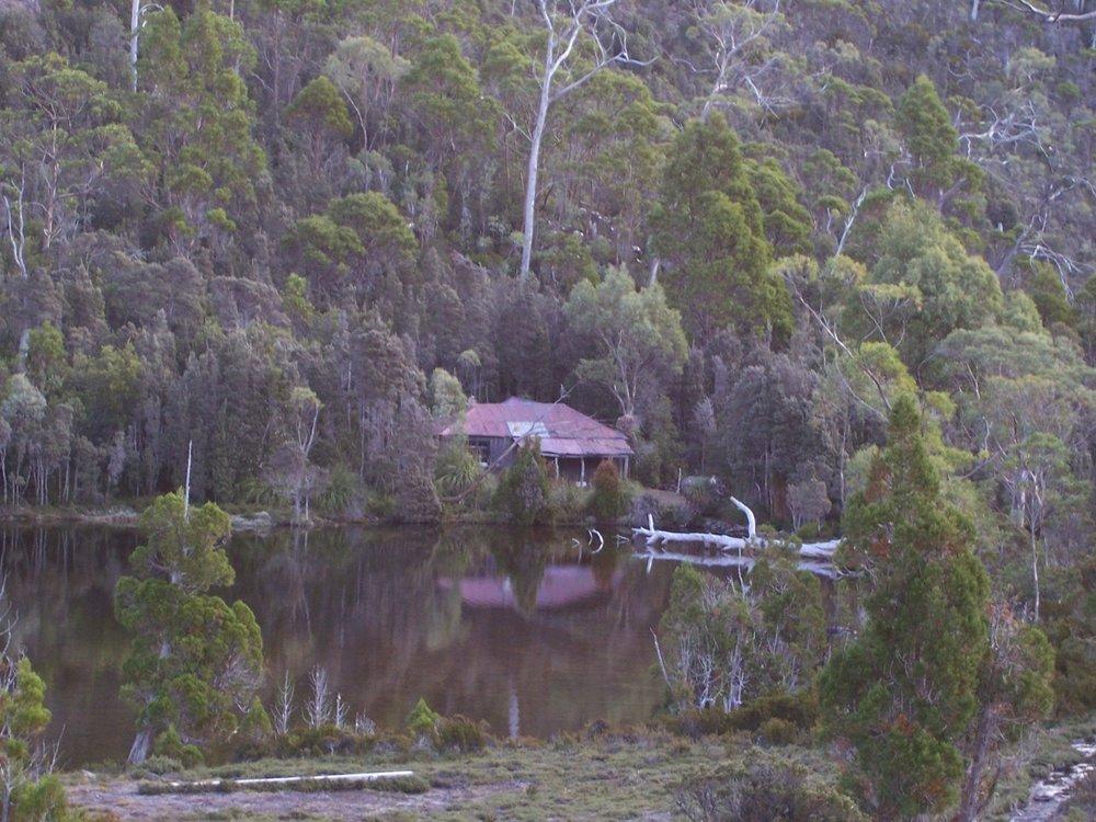 Twilight Tarn Hut built 1927, the first building by a ski club in Australia. © David Sisson 2007