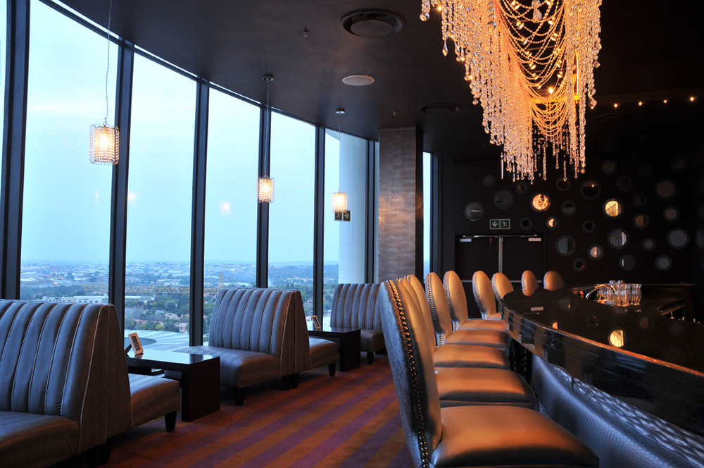 Skye bar - On the 9th floor of the Holiday Inn Sandton, the Skye Bar is one of the best spots in Sandton for unforgettable panoramic views of Johannesburg.